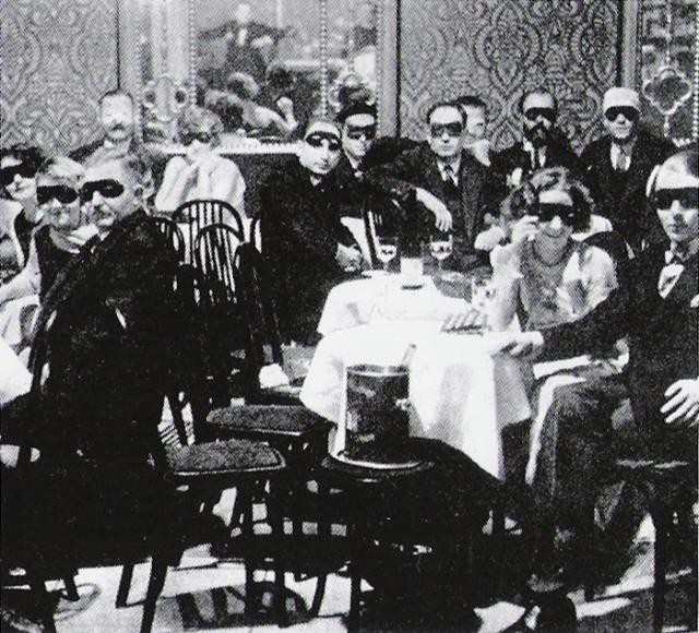 crowdatweissemaus1924.jpg