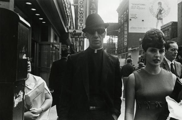 Priest-with-Dark-Glasses,-NYC,-1970.jpg.CROP.article920-large.jpg